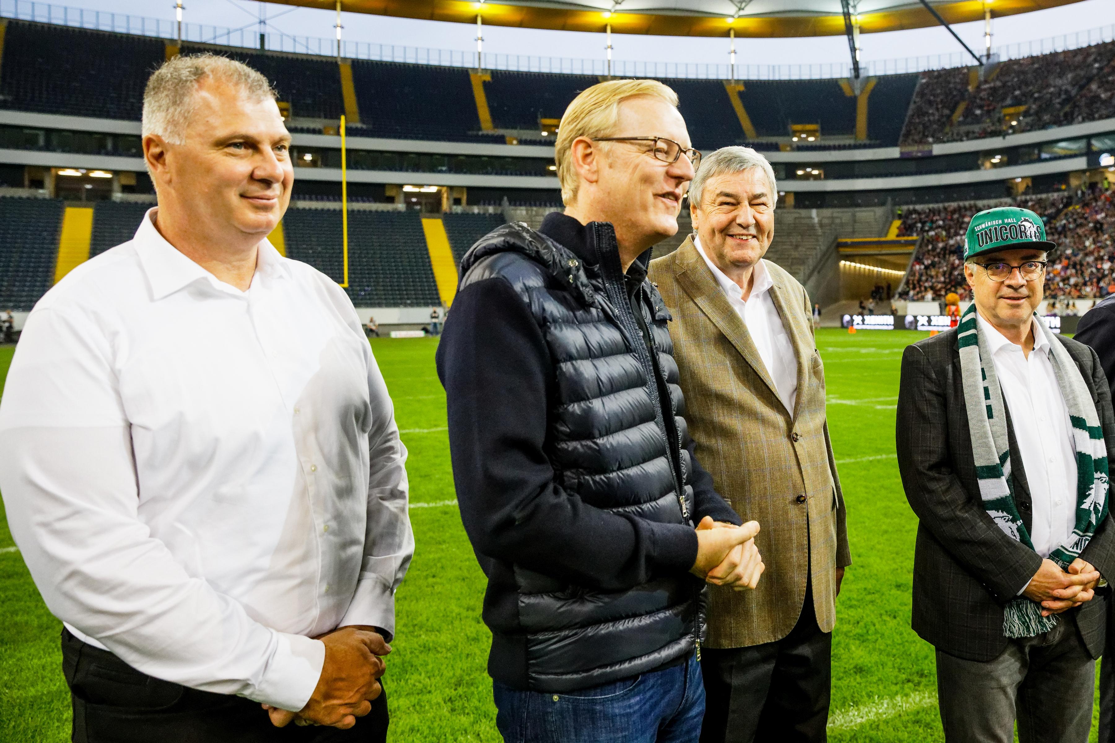 Randy Ambrosie (CFL, links im Bild) beim German Bowl XLI